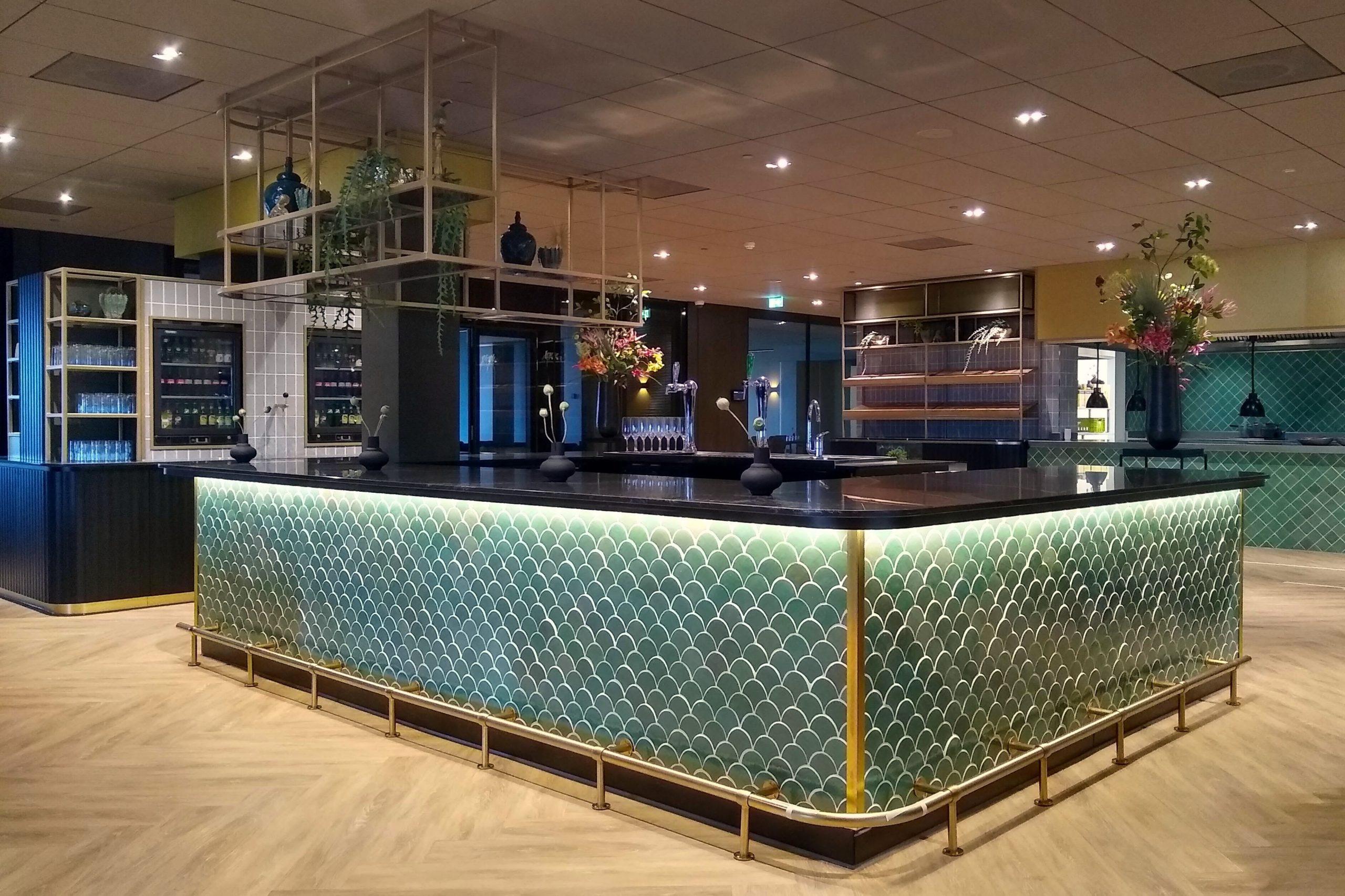design en maatwerk bar in breakout van der Valk Hotel Haarlem